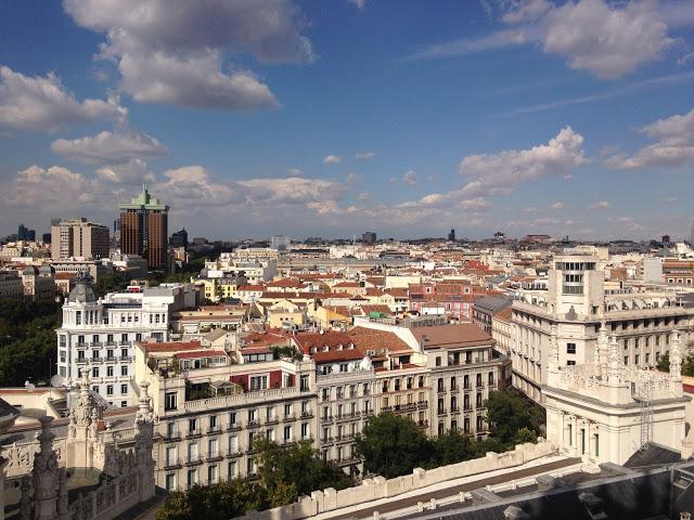 Happy Moments | Aangekomen in Sevilla, Zomerse temperaturen & Spaans huisfeest
