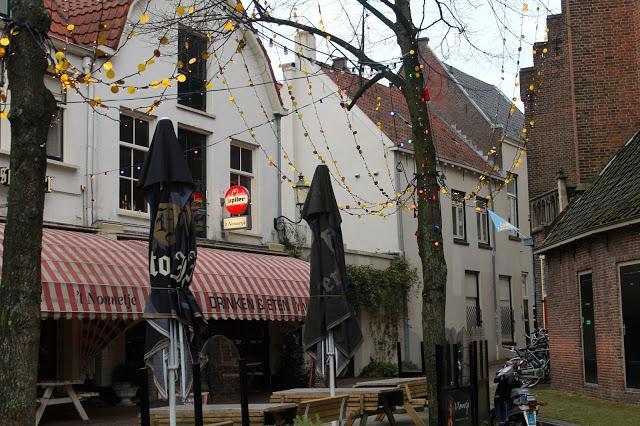 VLOGMAS | Outfit shoots, Flikken Maastricht & Koffie date
