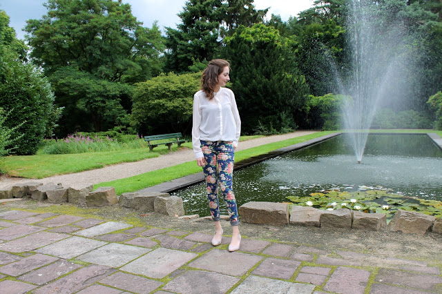 Outfit of the day | Flower Power pants