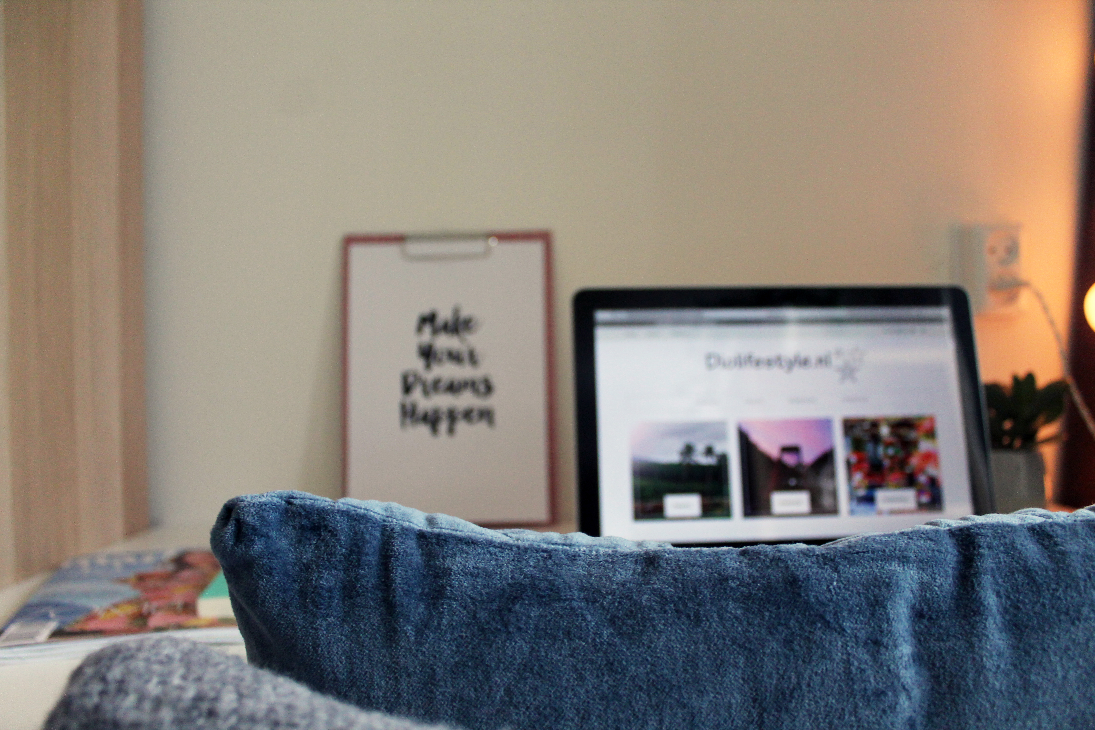 Mini office at home – Een kamer om te bloggen en te freelancen